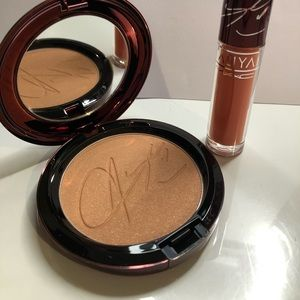 Aliyah MAC Bronzer and lipgloss set